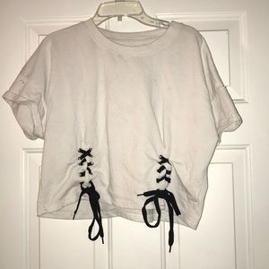 Shoelace Cropped Tee